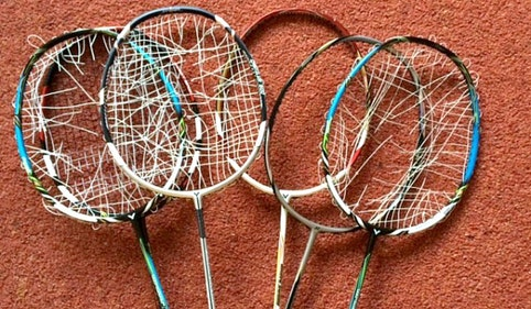 Badminton racket stringing service